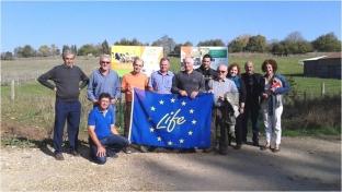 Agricultores miembros de la Cooperativa Cambrils visitan las instalaciones de mini-eólicos de Baiwind en Álava